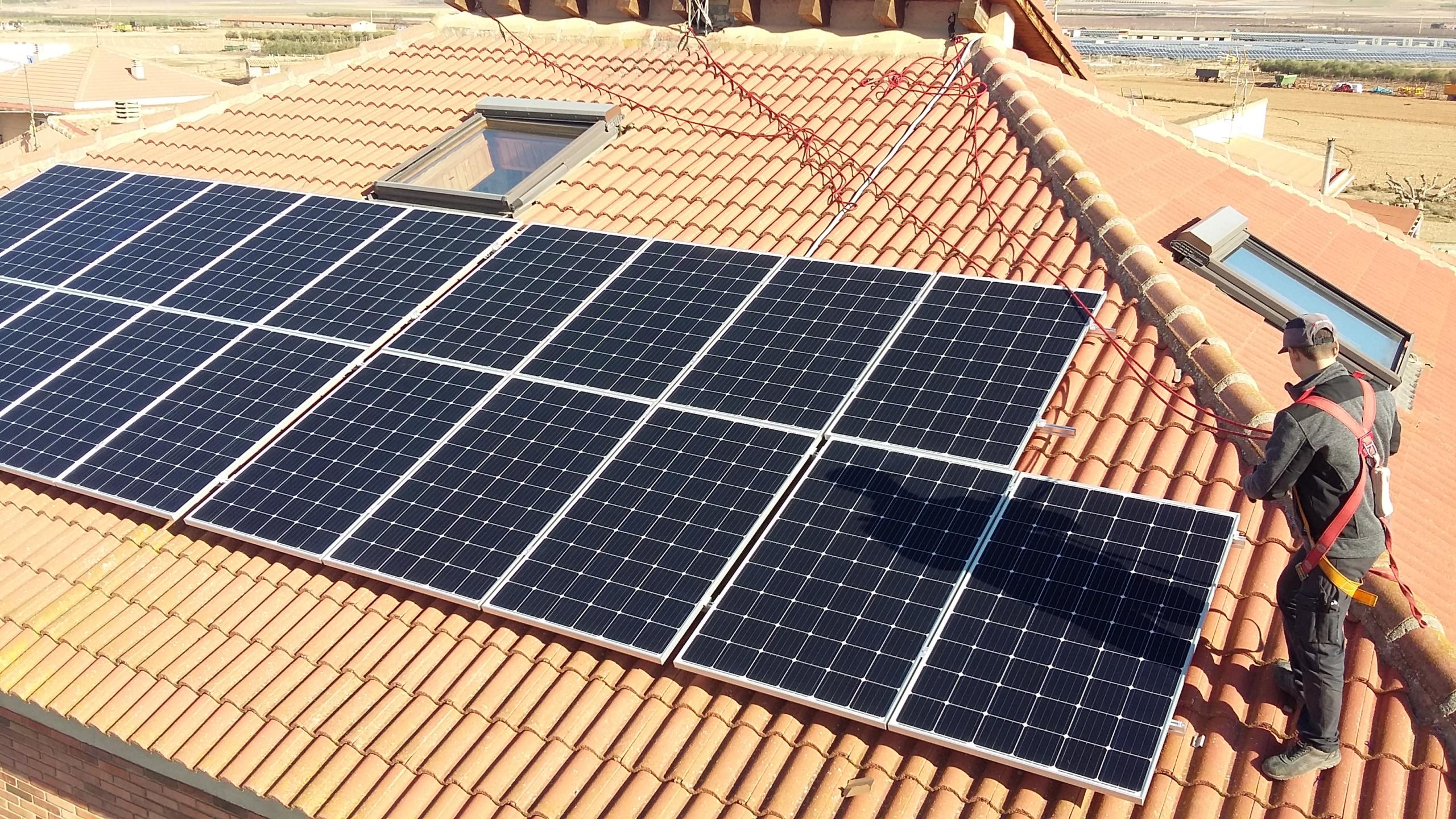Montaje paneles fotovoltaicos_linea de vida