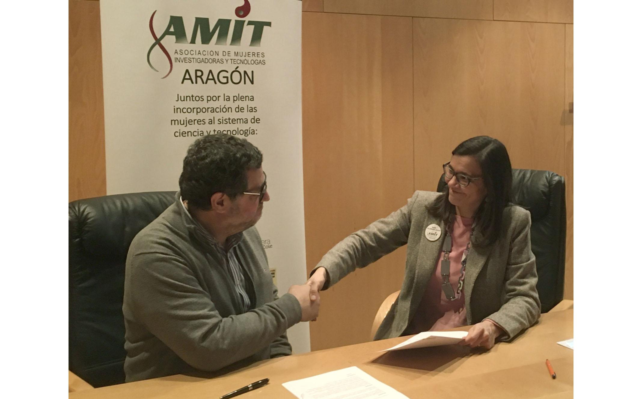 Firma convenio AMIT